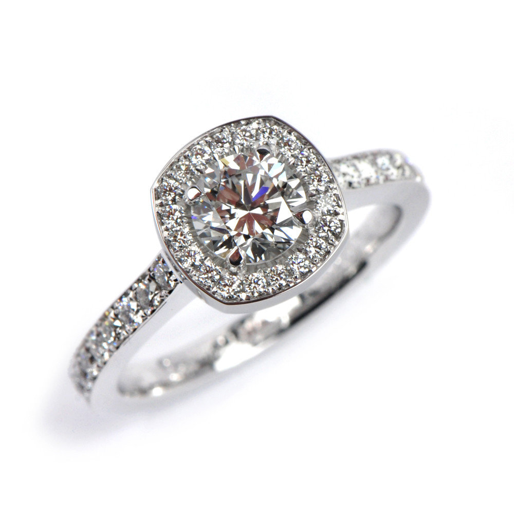 Florence Emelie Classic Pavé Ring