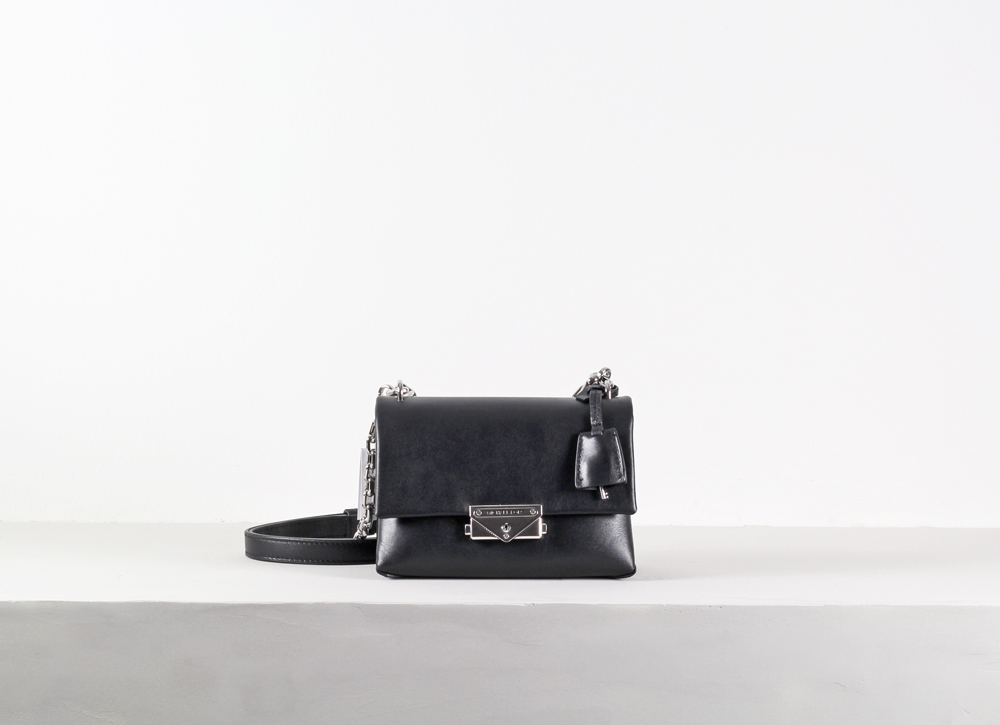 Cece Xs Chain Crossbody
