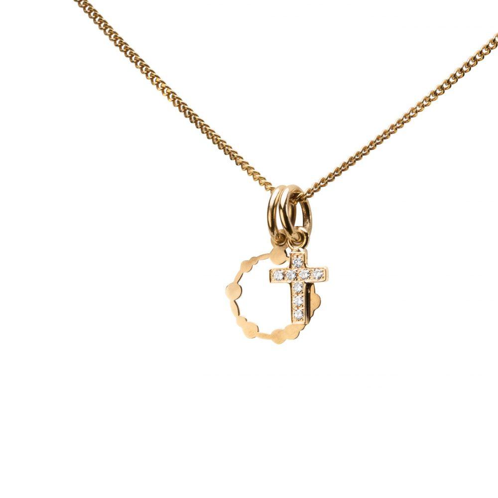 Utfräst Kors Med Diamanter