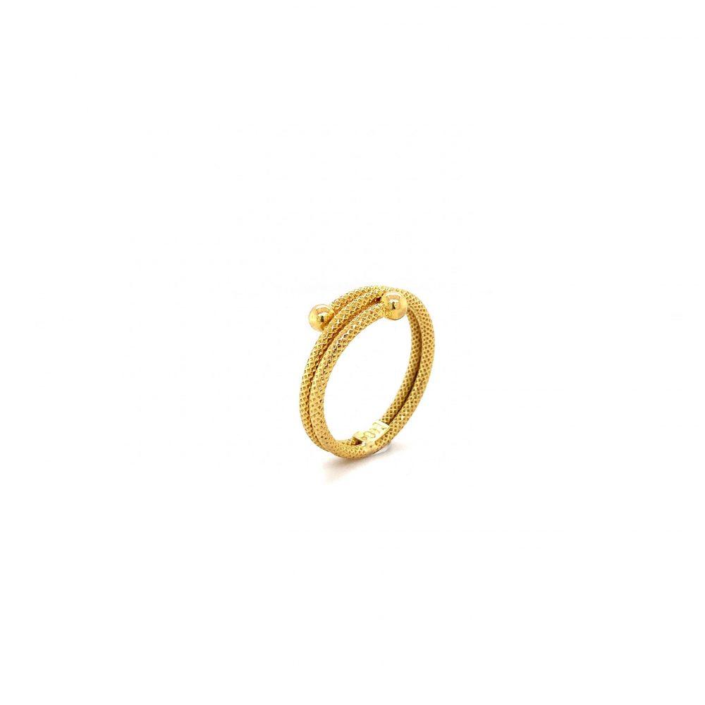 Snurrad Ring 18k
